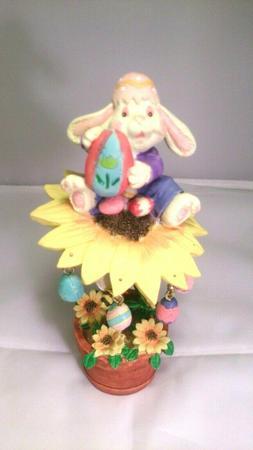 "7""  Easter Bunny ceramic figurine collectible decor Vintage"