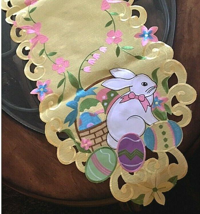 "Easter Easter Bunny Egg Heirloom Design 68"""